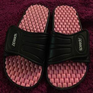Men's pink and black slides - size 8